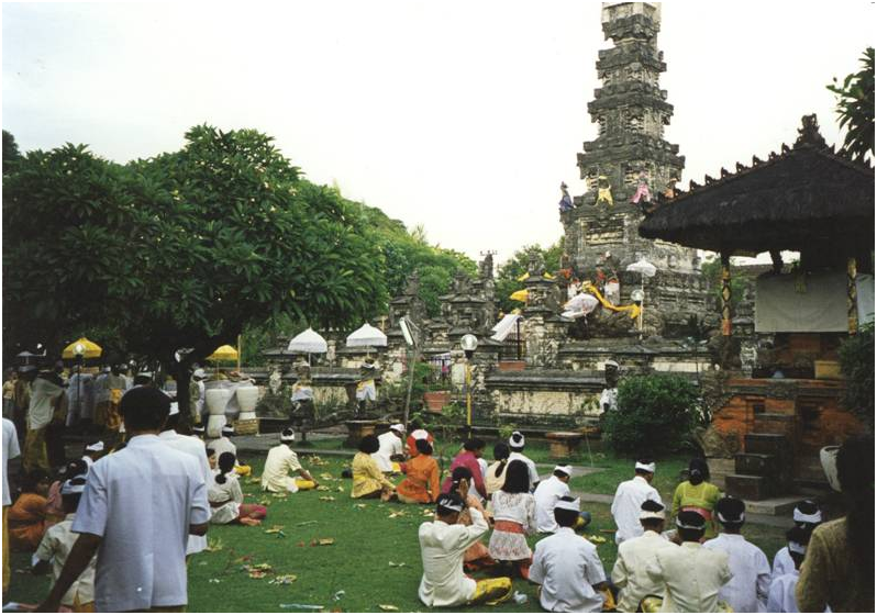 Indonesia – Bali, Denpassar, at Pura Jagatnatha, the temple dedicated to Sanghyang Widi Wasa, the Supreme God, where every full moon people pay homage.