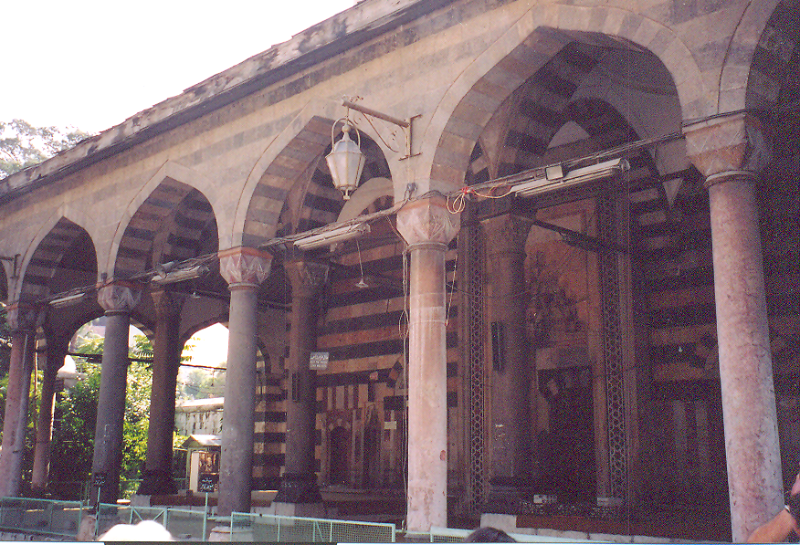 Süleymaniye Tekkesi, on altıncı yüzyılda yapılmış. Mimar Sinan'ın eseri bir Sufi tekkesi. Klasik Osmanlı üslubu.