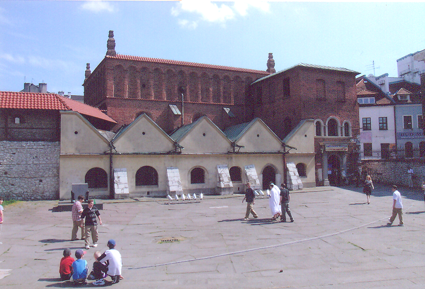 The eastern half of Kazimierz, one still finds a unique atmosphere of the Jewish past. The Old Synagogue, dating back to the 15th century and rebuilt to Renaissance tastes in the 1560s.