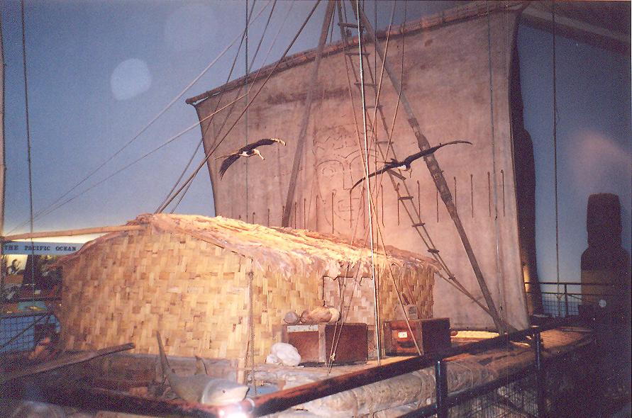 Balsa ağacından yapılmış Kon-Tiki adlı sal-tekne ile 1947 yılında Peru'dan Polinezya'ya gitmeyi başardı. Amacı, Güney Amerika'da kullanılmakta olan bu teknelerin böylesine uzun bir yolculuk yapmaya elverişli olduğunu göstererek ilk Polinezyalıların İnka öncesi Perulular olduğunu ispat etmekti.