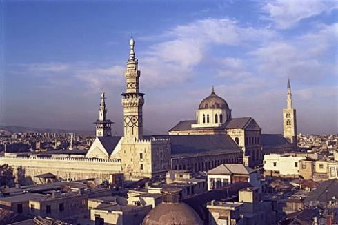 Emevi Camii, Moğollar tarafından talan edilmiş, depremlerde hasar görmüş ve 19. yüzyılda büyük bir yangının kurbanı olmuş ama hala olağanüstü görkemiyle ayakta. Suriye'deki en önemli yapı sayılan bu cami, ilk önemli Müslüman yapısı ve kimilerine göre Mekke, Medine ve Kudüs'teki camilerden sonra İslam aleminin en kutsal eseri. Bu cami, ulu camiler için örnek oluşturmuş. Müslümanlar, önce kilisenin doğu kısmını  camiye çevirmişler, batı bölümünü Hıristiyanlar kilise olarak kullanmaya devam etmişler. Ortak kullanım 70 yıl devam etmiş.