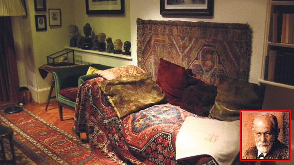 Londra'daki Freud Müzesi'nde nörologun hastalarının uzandığı meşhur divan, 1890'da Madame Benvenisti adında Viyanalı zengin bir hastası tarafından hediye edilmişti. gundem.milliyet.com.tr