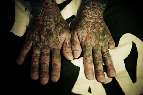Yakuza el dövmesi Foto:transientism.tumblr.com