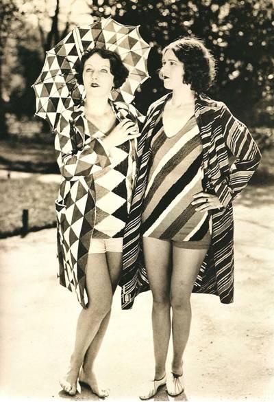 Sonia Delaunay tasarımı plaj kıyafetleri. www.venettewaste.com
