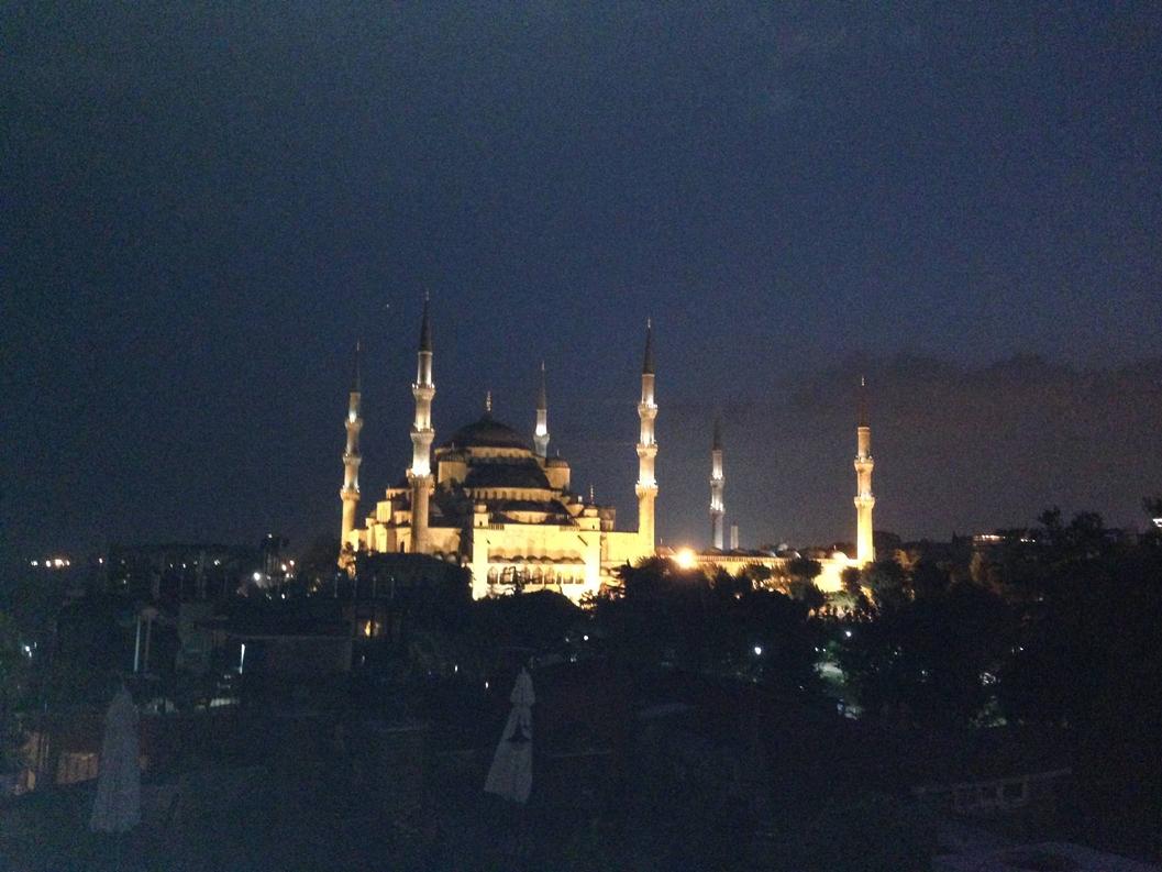 Blue Mosque, Sultanahmet, Istanbul, Turkey.