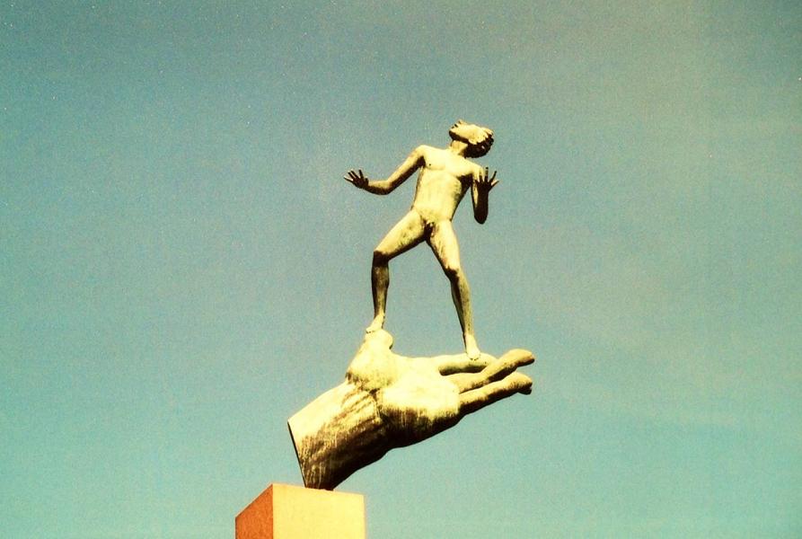 Tanrı'nın Eli (1949), Carl Milles (1875-1955), Millesgarden, Lidingö Adası, Stockholm, İsveç.