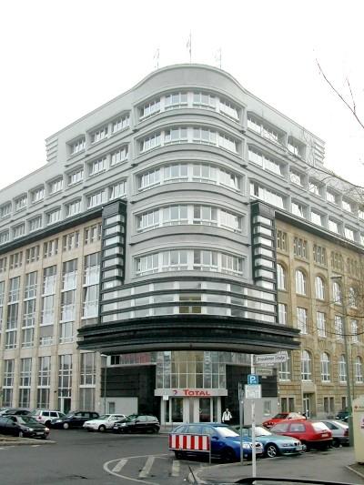 Erich Mendelsohn, Mossehaus gazete binası, 1923, Berlin.