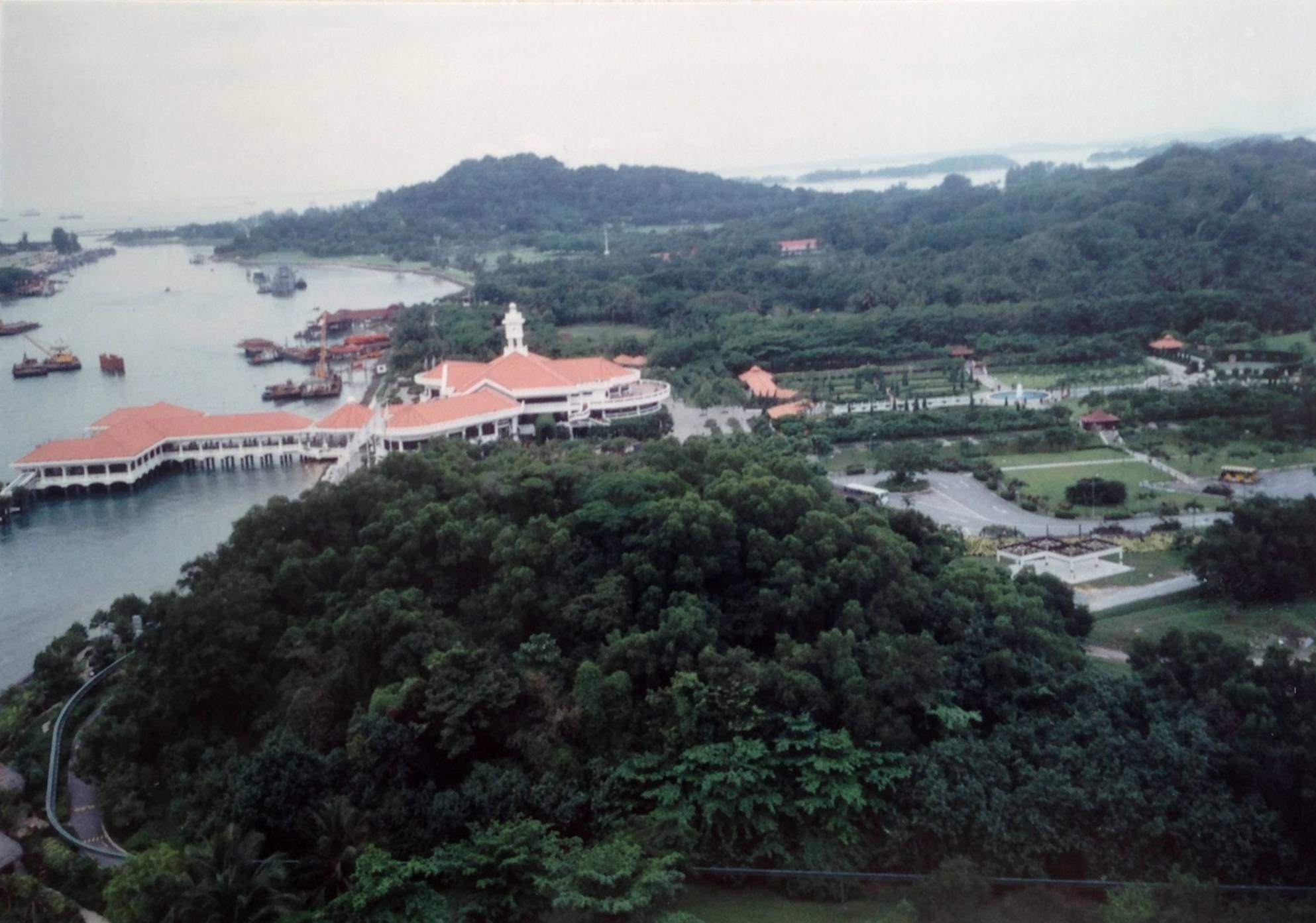 Singapur aynı zamanda çok temiz ve çok güzel bir yer. Sentosa Adası Singapur'un çekim merkezi.