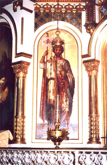 İmparator'un annesi de Kutsal Topraklar'a ilk hacca gidenler arasındaydı.  Kudüs'te Hz. İsa'nın çarmıha gerildiği haçı bulduğuna inanılır. Doğu Kiliseleri onları aziz ve azize olarak kabul eder ve 21 Mayıs'ta anar. Fotoğraftaki Büyük Konstantin tablosu Helsinki'de, Rus Ortodoks Katedrali Uspenski'de bulunmaktadır.