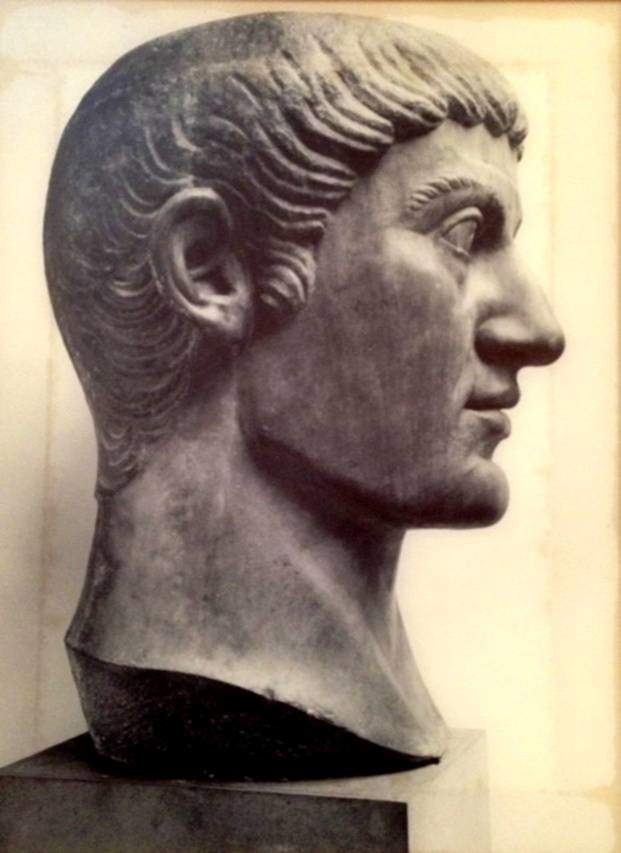 İmparator I. Konstantin'in mermer büstü, New York Metropolitan Müzesi.