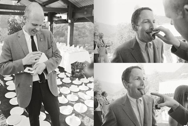 Robert Rauschenberg, Claes Oldenburg ile küçük bir Performans gerçekleştiriyor..