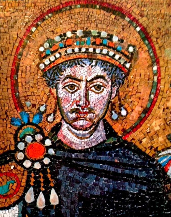 İmparator I. Justinyen, Ravenna San Vitale mozaiklerinden detay.