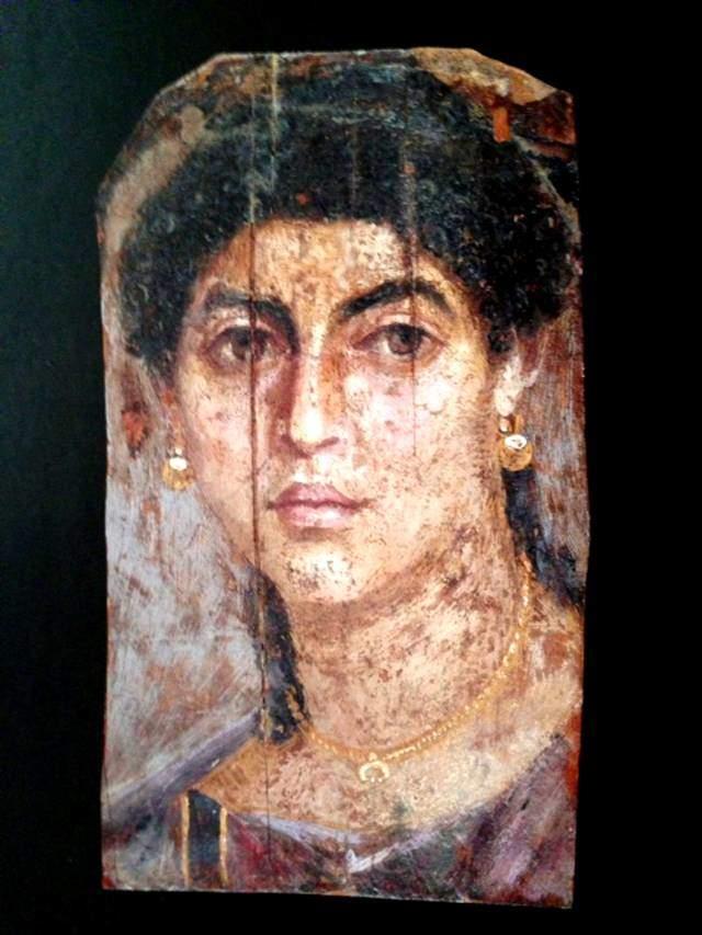 55-70 yıllarına tarihlenen bir mumya için yapılan kadın portresi. British Museum, Londra, İngiltere. Fotoğraf: Byzantium, Robin Cormack ve Maria Vasilaki, Royal Academy of Arts, 2008.