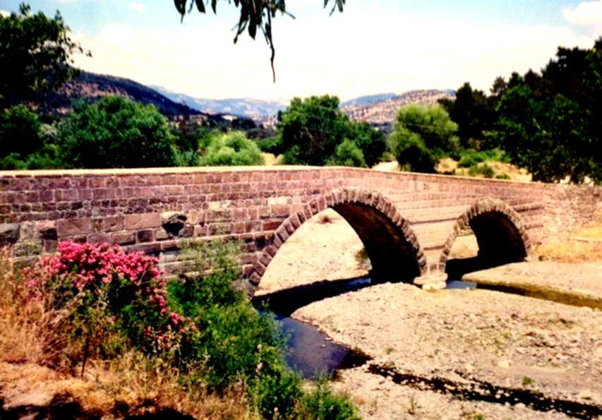 2. yüzyıla tarihlenen Roma köprüsü.