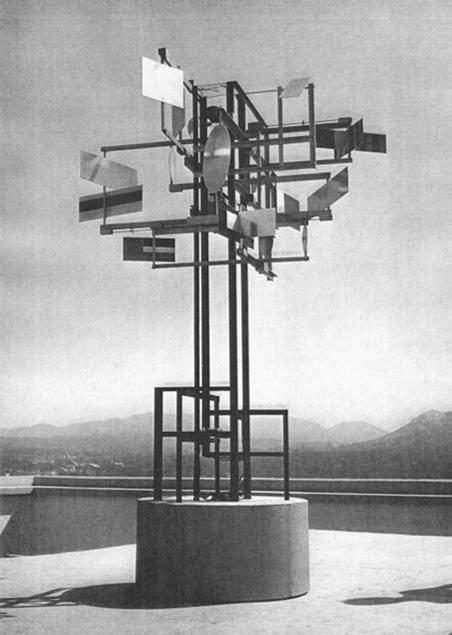 CYSP 1, Nicholas Schöffer, 1956. Bu eser sanatçının ilk güdümlü heykelidir. Yaratıcısına, etkileşimin babası ünvanını kazandırmıştır. Fotoğraf:thecreatorsproject.vice.com