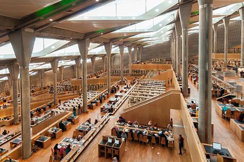 1.400 'den fazla katılımın olduğu yarışmada kazanan projenin tasarımcısı Norveçli Snøhetta olmuştur. Kompleks, dört adet müze, bir planetaryum, sanal-gerçeklik ortamları, akademik araştırma merkezleri, sanat galerileri ve bir de konferans salonunu barındırır. Fotoğraf:www.mimdap.org