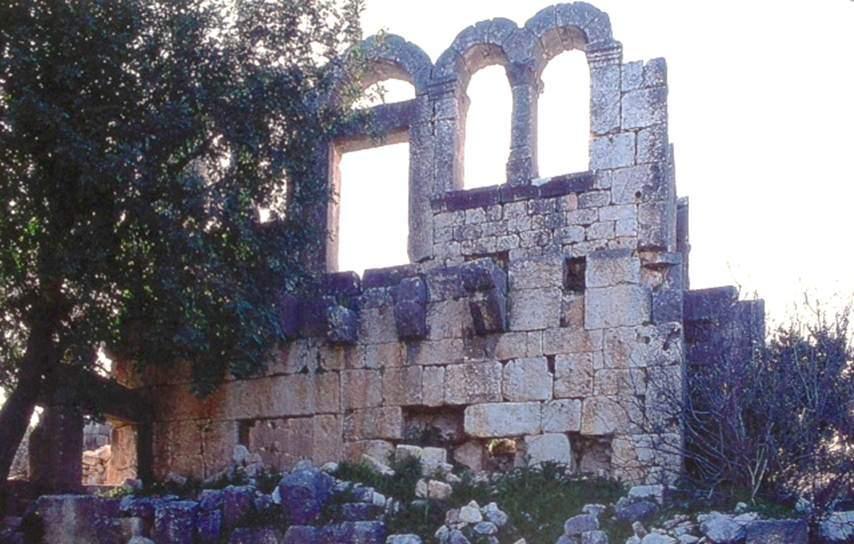 Silifke, Karakabaklı'daki Bizans evi. Fotoğraf: Türklerde Ev Kültürü, Prof. Dr. Metin Sözen, Doğan Kitap, 2001.