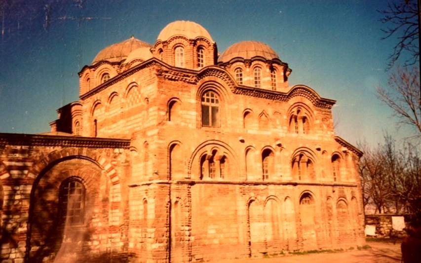 Pammakaristos Manastırı 13. yüzyıl sonunda inşa edilmiştir. Bizans'ın ileri gelenlerinden Mihail Glabas Tarkaniotes tarafından inşa ettirilmiştir.