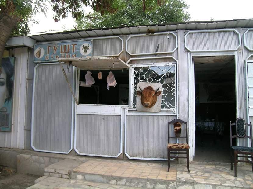 Buhara'da bir kasap. Fotoğraf: Füsun Kavrakoğlu