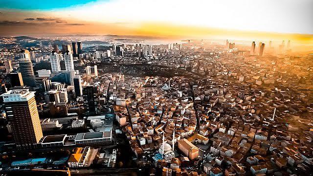 İstanbul'un ekümenopolis, ucu olmayan şehir sendromuna tutulduğunu düşünen akademisyenlerimiz var. Fotoğraf:www.arkitera.com