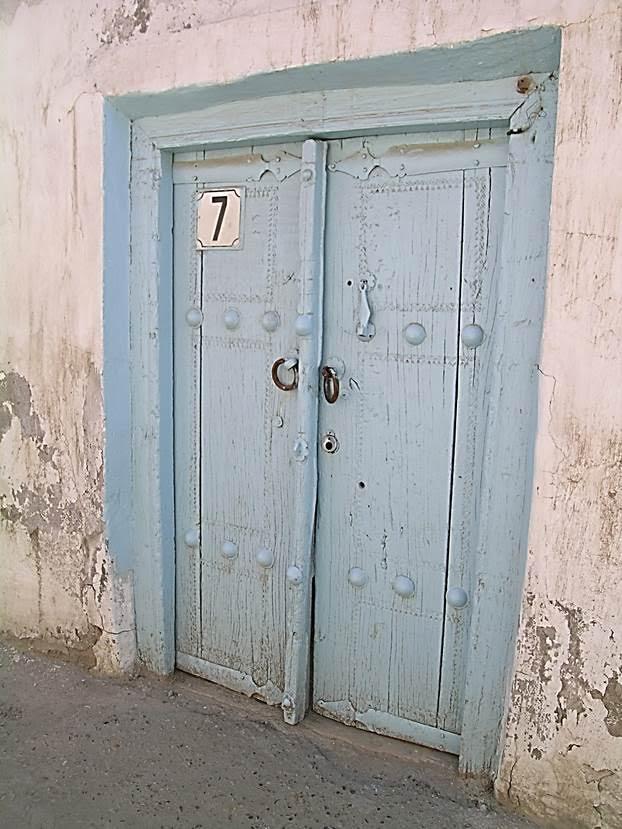Kadın ve erkek için ayrı ayrı ses veren kapı tokmakları. Sesten gelenin kadın mı erkek mi olduğunu anlıyorlar, ona göre kapıyı erkek ya da kadın açıyor. Fotoğraf: Füsun Kavrakoğlu