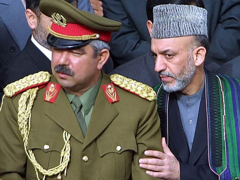 Genelkurmay Başkanı Raşid Dostum, Devlet eski Başkanı Hamid Karzai ile. Fotoğraf:www.oguz-news.net