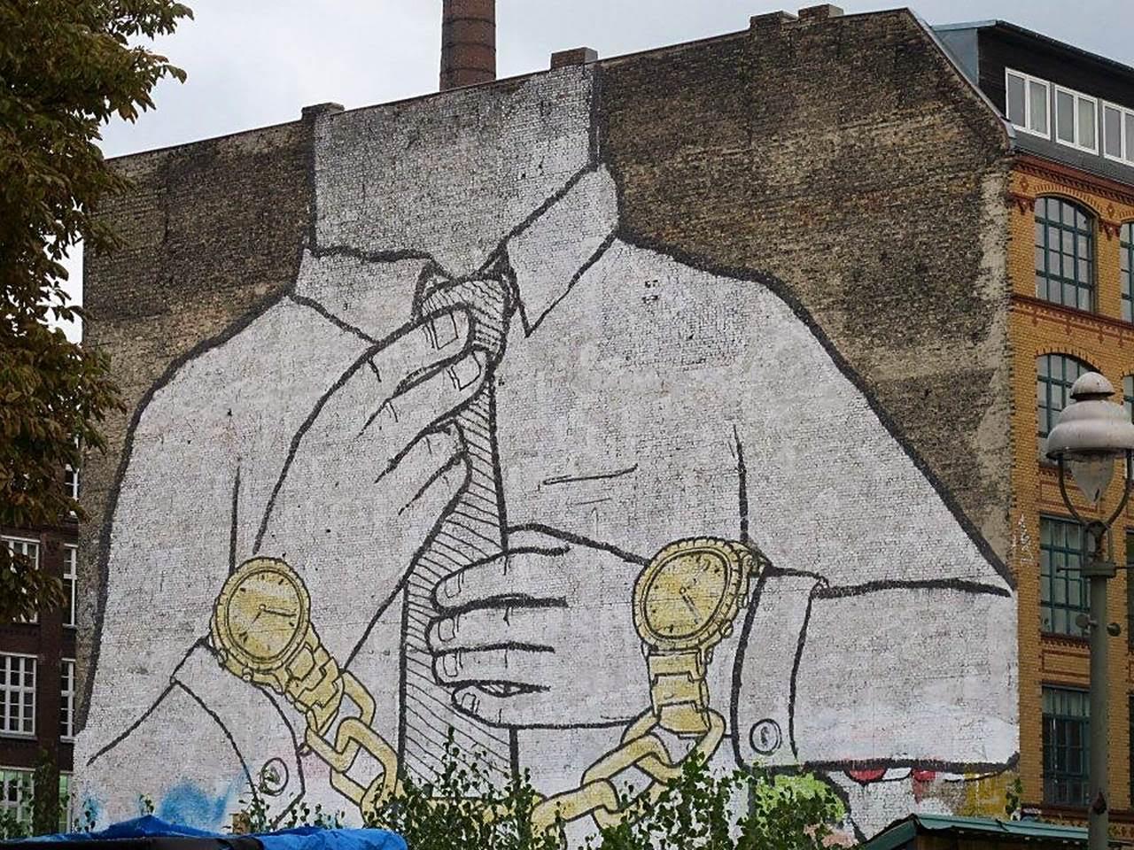 Nur Emiroğlu'nun Berlin'in Türklerin yoğun şekilde yaşadığı Kreuzberg semtinde, 2014 yılında çektiği fotoğrafı sizlerle paylaşıyoruz.