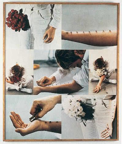 Sentimental Action, Gina Pane, 1973. Vücuda acımasız yaklaşımın, Batı kültürü ile ilişkisi sorgulanırken, kabilelerdeki dine/topluma kabul törenlerinin de acılı yöntemler içerdiği konuşulur. Fransız sanatçı Gina Pane (1939-1990), 1970'lere kadar doğayı eserinin bir parçası yapmıştır. Eserlerinden birinde yalın ayak, üzerinde metal çıkıntılar olan bir merdivene, acısına katlanamayacağı noktaya kadar tırmanır. 1970'lerde Body Art'a izleyiciyi de dahil eder. Yukarıda görülen fotoğraftaki işlemleri vücuduna izleyici önünde Milano'da bir galeride yapar. İzleyicilerin ilk sırası özellikle kadınlara ayrılmıştır. Sergilemeyi iki kez tekrar eder; ilkinde kırmızı, ikincisinde beyaz güllerle. Gösteriye ayakta başlar, fetüs pozisyonunda bitirir. Önce gül demeti ile öne-arkaya sallanır, sonra dikenleri koluna dizer ve en sonunda da avucunu jiletle keser. Bu işini, ana-çocuk ilişkisinin bir içsel yansıması olarak tanımlar. 1973 yılında, altında mumlar yanmakta olan demir bir karyolaya yatmıştır. Bu işi, 2005 yılında Sırp sanatçı Marina Abramoviç tarafından sergilenen, daha önce başka sanatçıların eserlerinden oluşan Seven Easy Pieces adlı eserde tekrar edilen parçalardan biri olmuştur. 1970'lerden sonra vücudun dünya ile ilişkisine odaklanır. Önceki sergilemelerinde kullandığı oyuncaklar ve diğer nesneler ile eski yaralarının fotoğraflarından kolaj yapar. Ama hepsi mazoşizm içerir: dilini, kulağını kesmesi, koluna çiviler saplaması, cam bir kapının içinden geçmesi, vücudunu jiletlemesi gibi. En son çalışmalarında vücut doğrudan yer almamış ama ana öge olmayı sürdürmüş; sembolik önemini şekiller ve malzemelerle korumuştur. arh346.blogspot.com