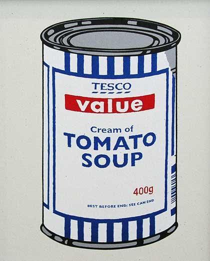 MOMA'nın üçüncü katına, Andy Warhol'un 32 Campbell Çorba Kutusu'nun bulunduğu yere Tesco marka kremalı domates çorbası resmini, İndirimli Çorba Kutusu (Discount Soup Can) resmini yerleştirmişti. Fotoğraf: calitreview.com
