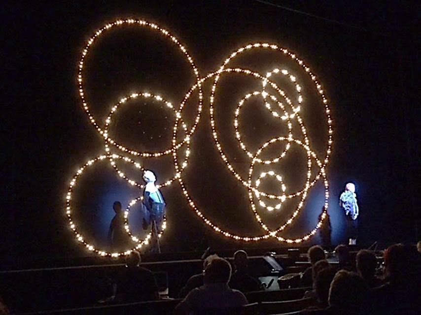 Robert Wilson'dan Üç Kuruşluk Opera. İKSV tarafından düzenlenen etkinlik, Zorlu PSM Ana Tiyatro'da gösterildi, Mayıs 2016. Fotoğraf: Füsun Kavrakoğlu