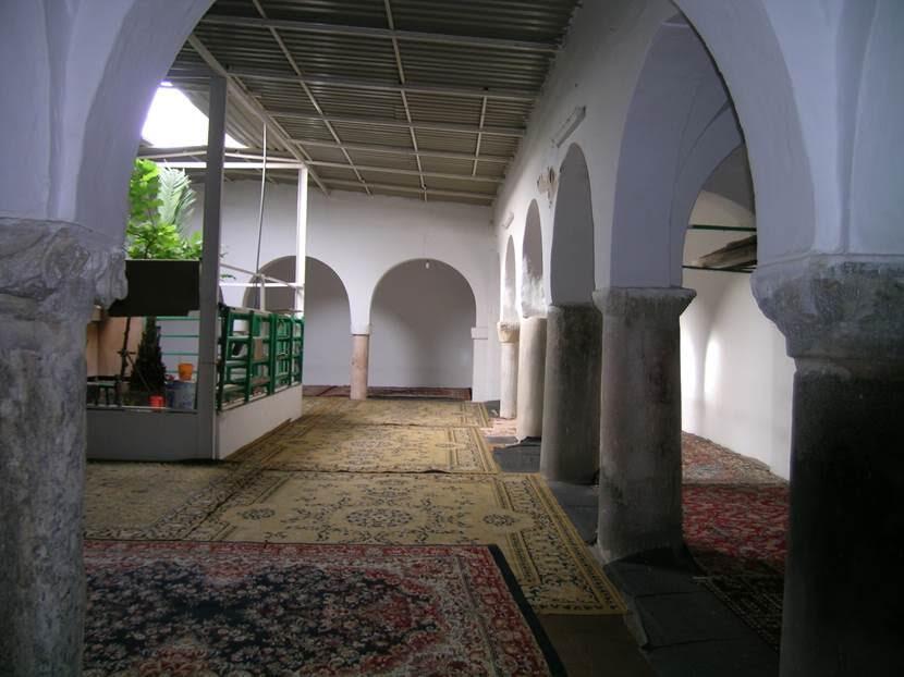 Caminin sütunlarının Leptis Magna'dan getirildiği söylenmektedir. Fotoğraf: Füsun Kavrakoğlu
