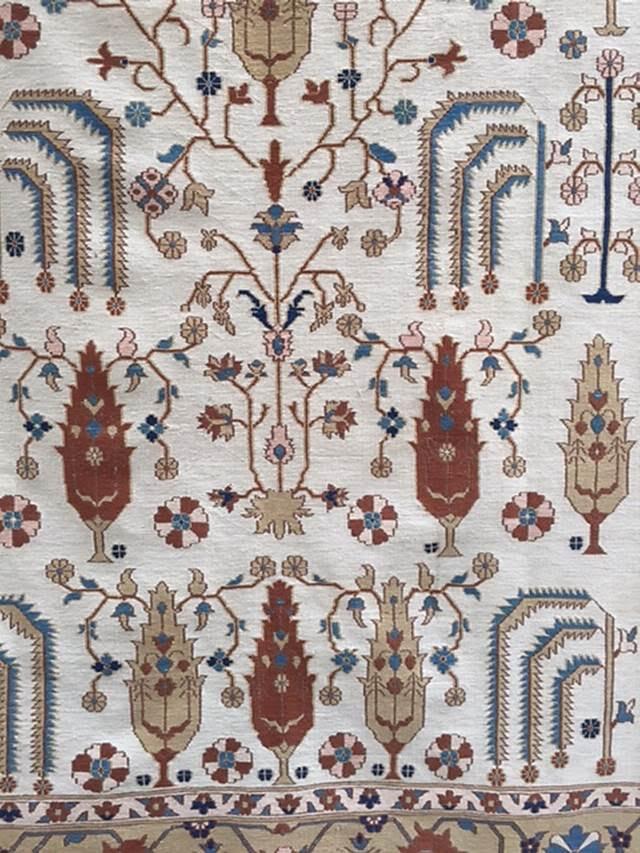 Anadolu'da dokunan halı ve kilimlerde Yaşam Ağacı en çok işlenen motiflerden biridir. Fotoğraf: Füsun Kavrakoğlu