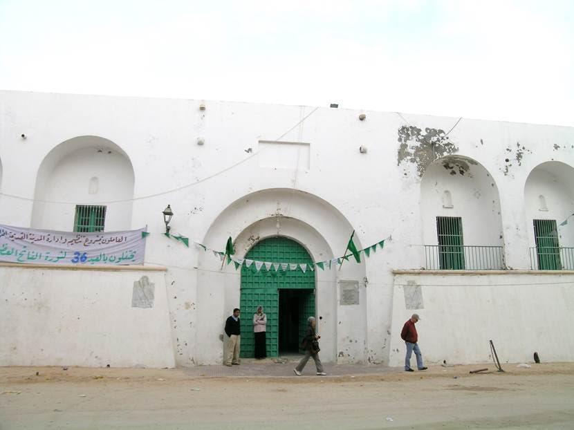 Türk Hapishanesi biz gittiğimizde çocukların gelişimi için kurs mekanı olarak kullanılıyordu. İçinde bir de Aya Yorgi'ye adanmış Ortodoks kilise var. Fotoğraf: Füsun Kavrakoğlu