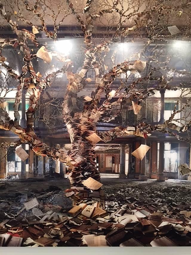 Kitap Ağacı, Jean-François Rauzier, Art International, İstanbul, 2015. Fotoğraf: Füsun Kavrakoğlu