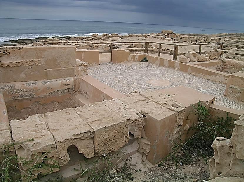 Roma döneminden Neptün (Oceanus) Hamamları'nın günümüze ulaşan mozaik yer döşemesi. Fotoğraf: Füsun Kavrakoğlu
