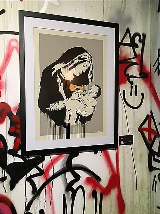 Toxic Mary, Banksy, 2003. Global Karaköy, 2016. Fotoğraf: Füsun Kavrakoğlu