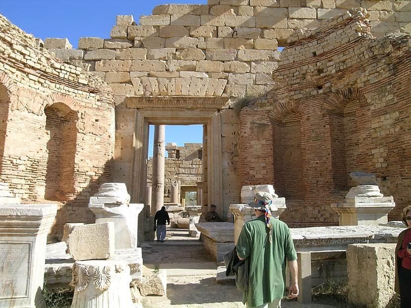 Nymph Tapınağı. Leptis Magna'da bir de Serapis Tapınağı gördük. Fotoğraf: Füsun Kavrakoğlu