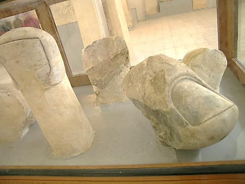 Ören yerinden çıktıktan sonra Cyrene yakınındaki müzeye gittik. Tahtında Oturan Zeus heykelinin parmakları da oradaydı. Fotoğraf: Füsun Kavrakoğlu