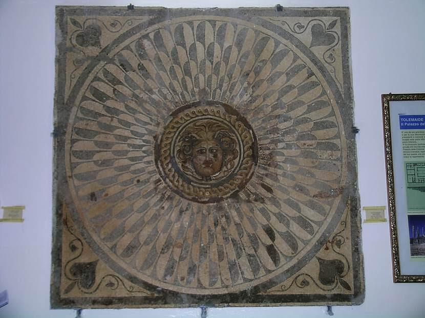 Medusa Odası'ndan müzeye taşınan mozaik. Fotoğraf: Füsun Kavrakoğlu