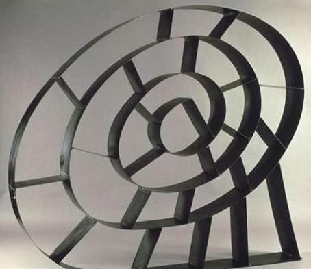 İsrailli endüstri tasarımcısı Ron Arad (1951-) imzalı Bookworm adlı kitaplık. Fotoğraf:www.etherreal.com