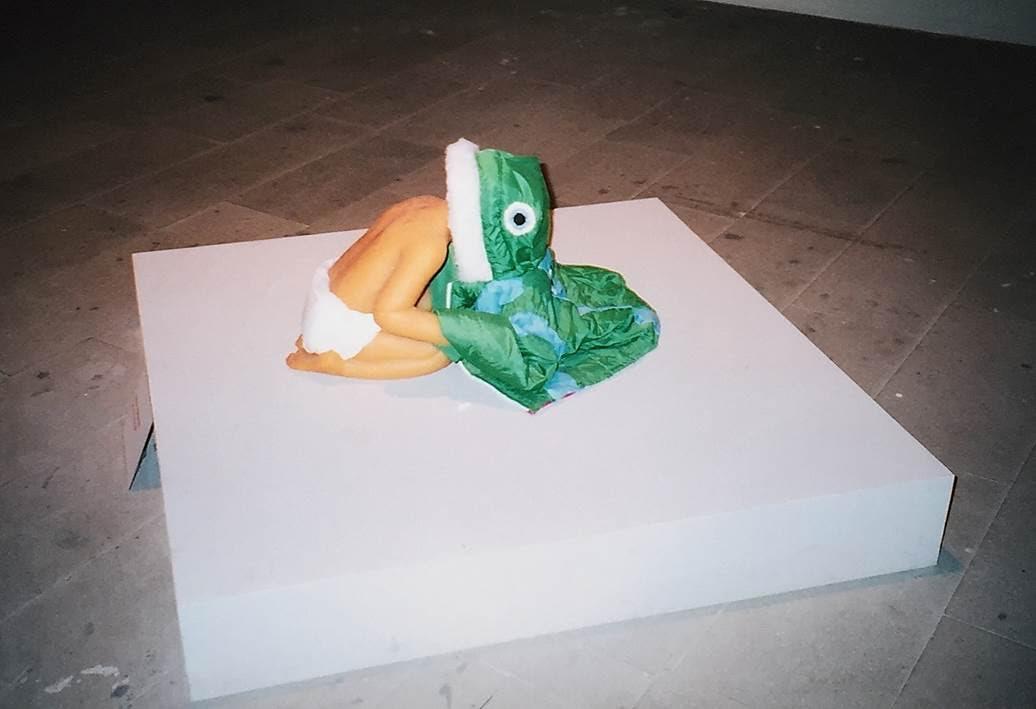ABD'li sanatçı Hannah Greely'in  (1979-) 2003 Venedik Bienali'nde sergilenen Silencer adlı 2002 tarihli yapıtı. Fotoğraf: Füsun Kavrakoğlu