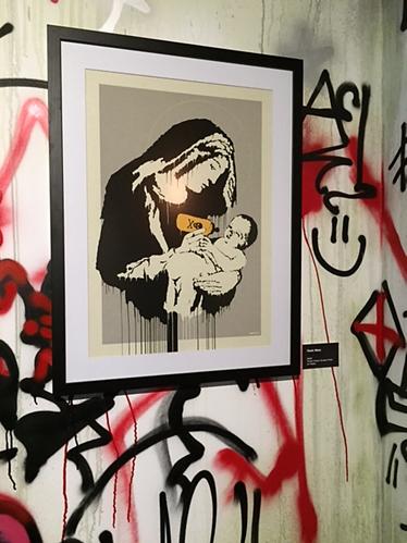 Toxic Mary, Banksy, 2003. Global Karaköy 2016 sergisinden. Fotoğraf: Füsun Kavrakoğlu