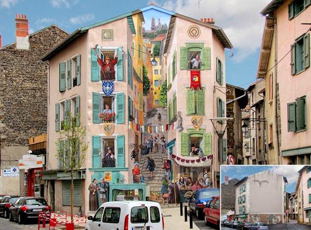 Fransa'da, Le Puy-en-Velay'da Fransız sokak sanatçısı Patrick Commecy ve ekibi tarafından resimlenmiş bir binanın duvarı ve öncesi. Hipergerçekçi resimler yapan sanatçının Fransa'nın çeşitli bölgelerinde genellikle edebi karakterleri kullanarak ve renklendirerek dönüştürdüğü pek çok sıkıcı ve çirkin bina var. Karakterler o mahallede yaşamış tanınan kişiler ya da sanatçılar, politikacılar, ünlüler, bilim adamları olabiliyor. Bazen de binanın cephesine üç boyutlu ağaçlar çizerek betonu doğa ile yakınlaştırma çalışmaları yapıyor. Fotoğraf:www.amusingplanet.com