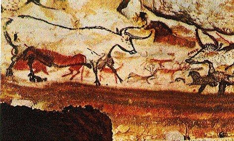 Fransa'da, Dordogne'daki Lascaux Mağarası, Boğalar Salonu. Mağaralardaki betimlemelerin çoğunlukla, o insanlarca eti yenmeyen hayvanlara ait oluşu, resimlerin av büyüsü için yapıldığı varsayımını geçersiz kılıyordu. Besin ekonomilerinde pek fazla yer tutmayan at, bizon gibi hayvanlar betimlemelerin büyük çoğunluğunu oluşturuyordu. Fotoğraf: Arkeoloji Gazetesi
